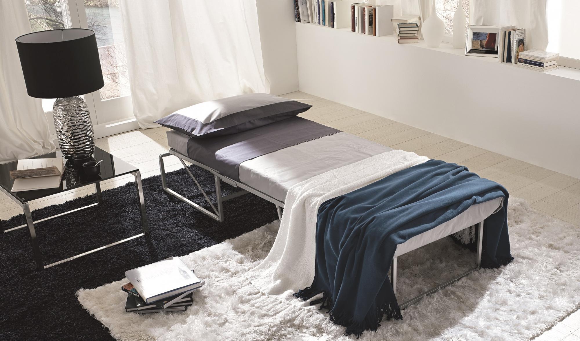 Electa poltrone lounge calligaris arredi 2000 for Poltrone calligaris prezzi