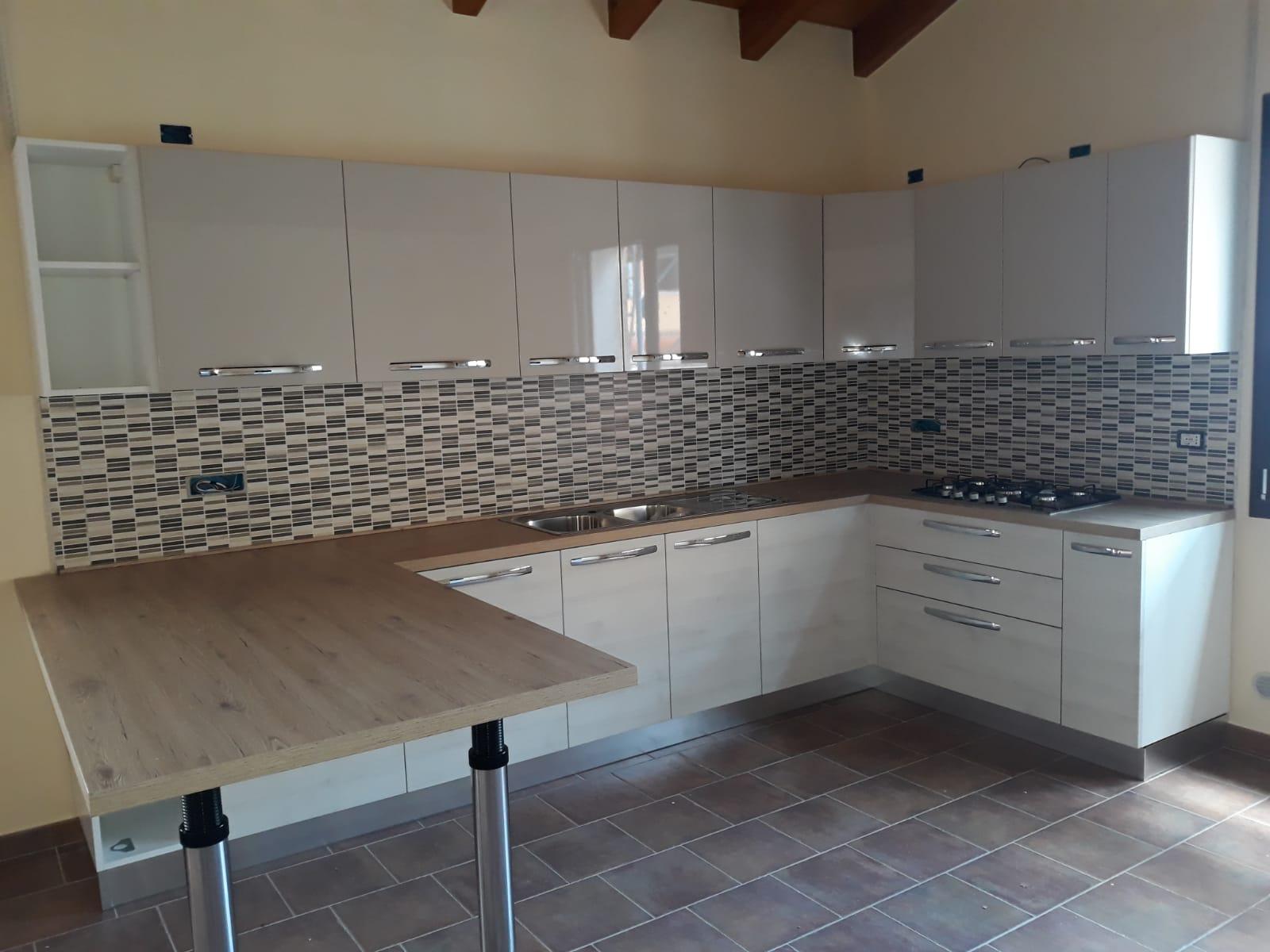Cucine Cagliari Arredi 2000 0724 WA0000
